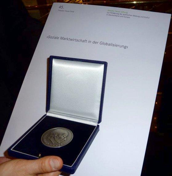 t-h-medalweb