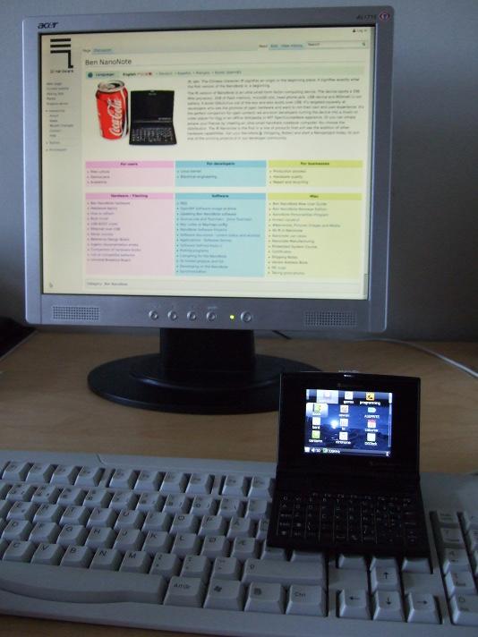 The Ben NanoNote and regular-sized desktop computer accessories