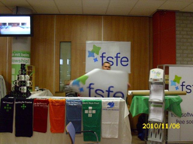 Der FSFE-Stand frontal