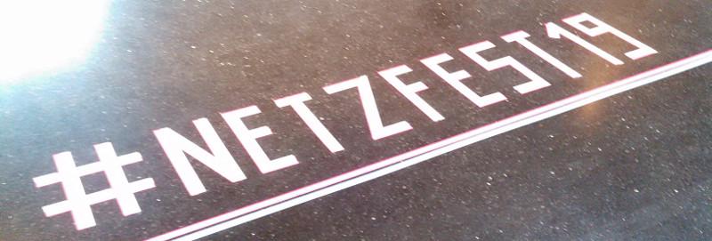 Der Hashtag zum Netzfest19 auf dem Boden des Technikmuseums